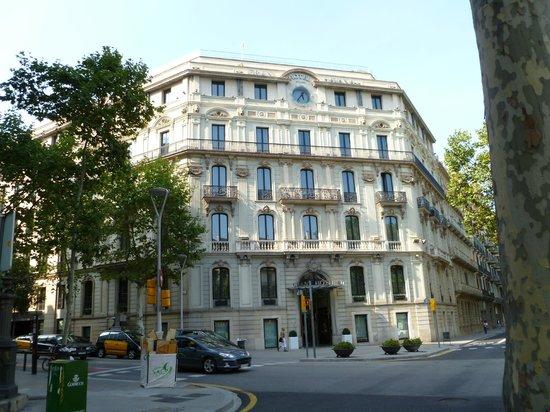 โรงแรมซิลเคน แกรน ฮาวาน่า:                   Hotel