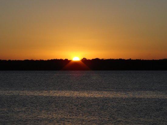 Praia do Jacaré:                   Pôr do sol