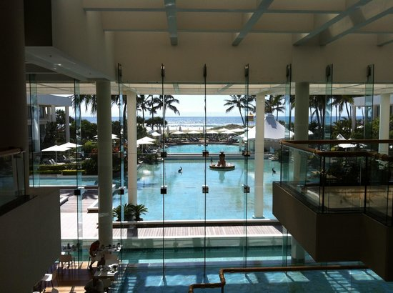 Sheraton Grand Mirage Resort, Gold Coast:                   In reception looking towards the ocean.