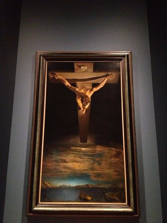 Kelvingrove Art Gallery and Museum:                   Christ of St John of the Cross