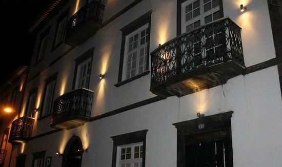 Hotel do Colegio, exterior at night
