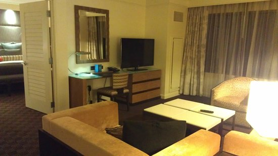 Cache Creek Casino Resort:                   Room pic3
