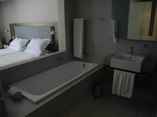Harbour Bridge Hotel & Suites:                   Room