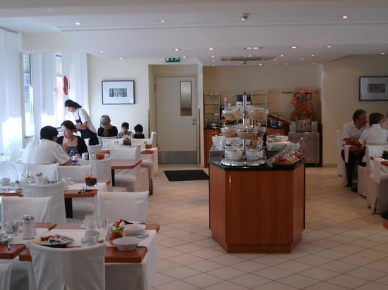 Hotel Mercure Munich Altstadt:                   Breakfast was served here