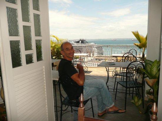 Pousada Casa Vila Bela: terrazza con vista sulla Baia di Tutti i Santi