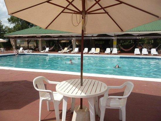 Raices Esturion Hotel:                                     Pileta