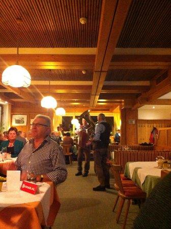 Hotel Lampenhäusl:                   An evening's entertainment