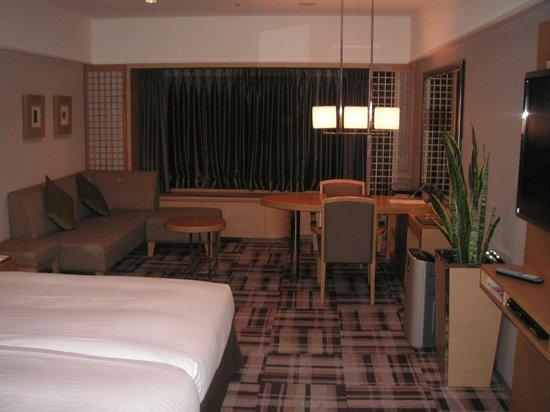 Kyoto Brighton Hotel:                   十分な広さ。快適です。