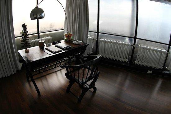 Euromast:                   Bureau suite Heaven