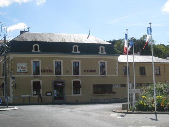 Airvault France  city pictures gallery : Hotel restaurant le cygne, Airvault Restaurant Avis, Numéro de ...