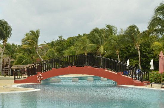 Catalonia Playa Maroma: Bridge to Pool Bar