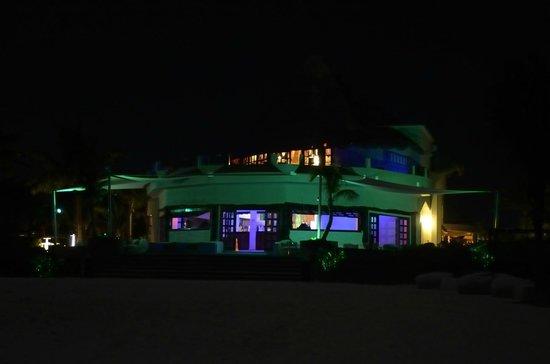 Catalonia Playa Maroma: Pool Bar at Night