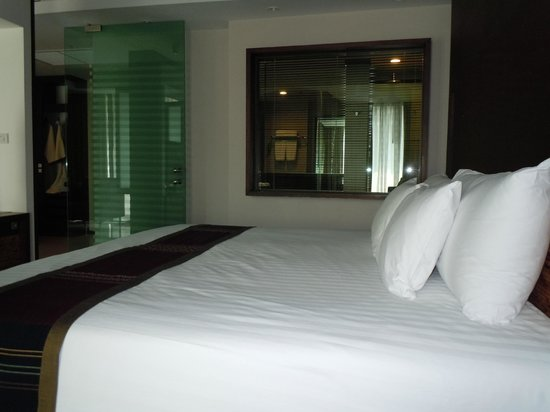 Tara Mantra Cha Am: Chambre  suite