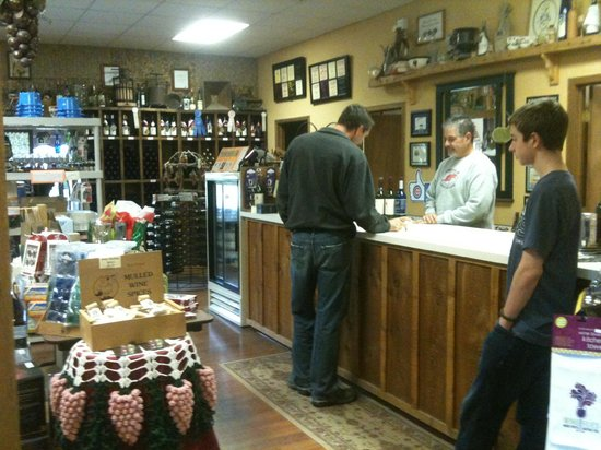Countryside Vineyards & Winery:                   Store
