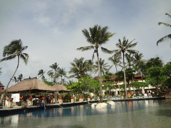 Nusa Dua Beach Hotel & Spa: piscina
