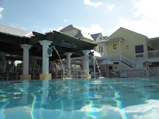 Southernmost Beach Resort:                   Shores bar poolside