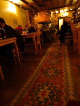 Meze restaurant: Warm and cosy interior at Meze.