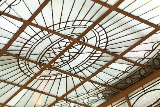 โลจีสเทอร์มินุส ลียง: Plafond salle petit déjeuner