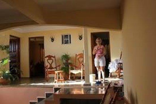 Villa Jorge y Ana Luisa:                   de casa
