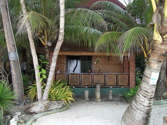 Alona Tropical Beach Resort:                   Our bungalow