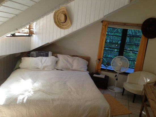 Maravilla Guesthouse:                   cottage bedroom