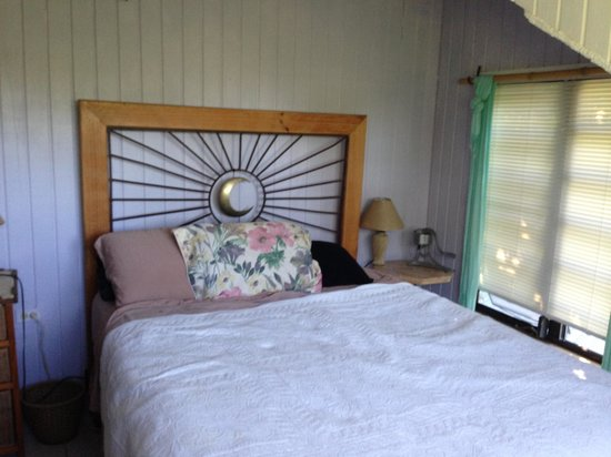 Maravilla Guesthouse:                   another cottage bedroom