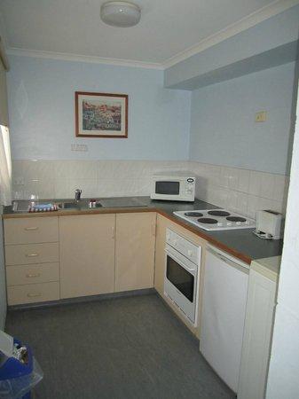 Alanvale Apartments & Motor Inn: Kitchen