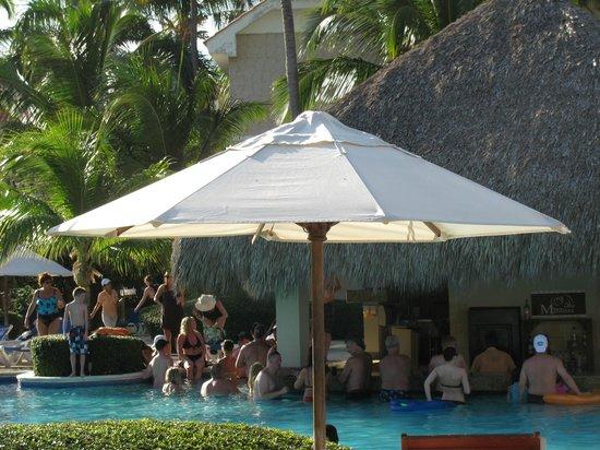 Dreams Palm Beach Punta Cana:                   Pool Bar