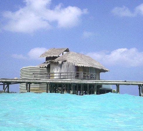 ซิกซ์ เซ็นเซส ลามู: Water villa