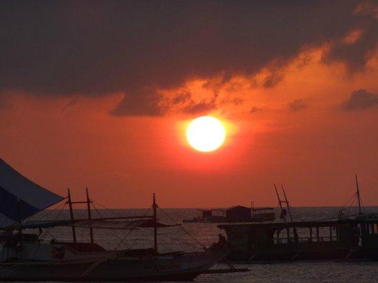The Greenhouse (Boracay Beach House):                                     Sunset from the villa