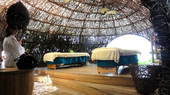 Six Senses Laamu: Spa area