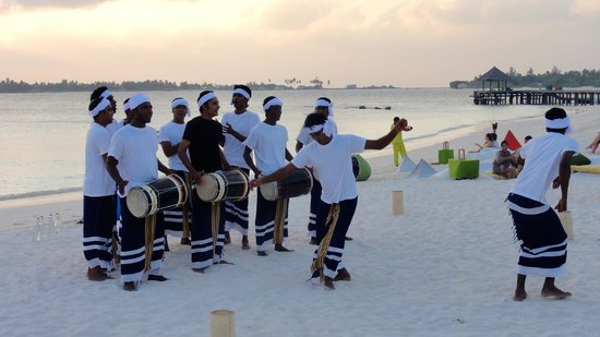 Six Senses Laamu: Maldivian drums & dance