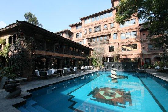 Dwarika's Hotel:                   プールサイド