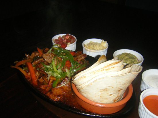 Green Ant Cantina:                   Chicken fajitas
