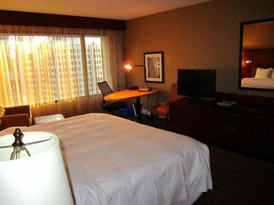Hilton Toronto: Habitación