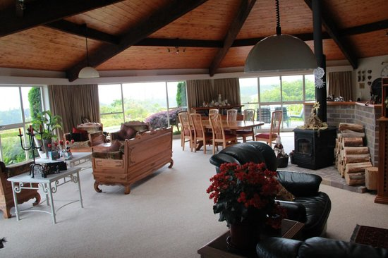 Doolan's Country Retreat:                   The lounge area