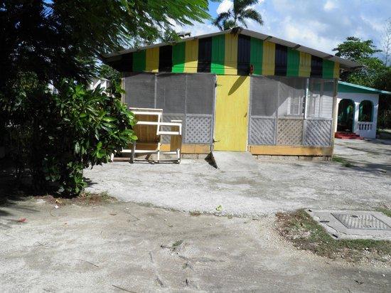 Coletta's:                   Building