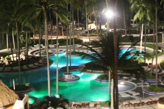 The Westin Resort & Spa, Puerto Vallarta:                   at night
