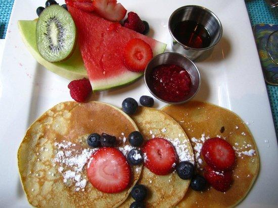 Hotel Le Vincent: Desayuno con crepes