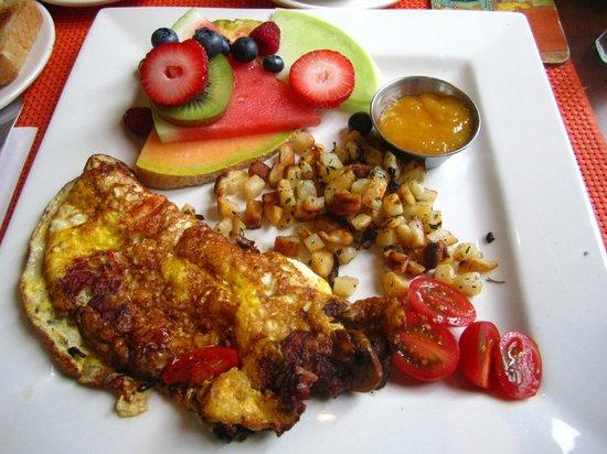 Hotel Le Vincent: Desayuno con tortilla