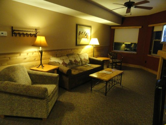 Double JJ Ranch & Golf Resort: Thoroughbred Living Room
