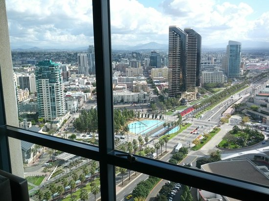 Manchester Grand Hyatt San Diego: View from Harbor Tower #2807