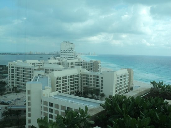 Live Aqua Beach Resort Cancun:                   looking away from hotel, front hallway 9th floor