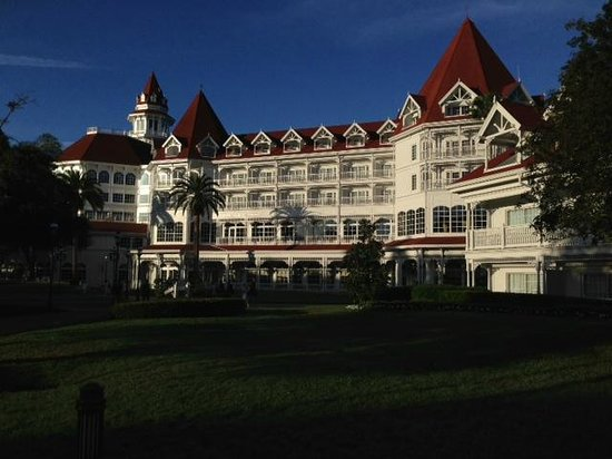 Disney's Grand Floridian Resort & Spa:                   Main building