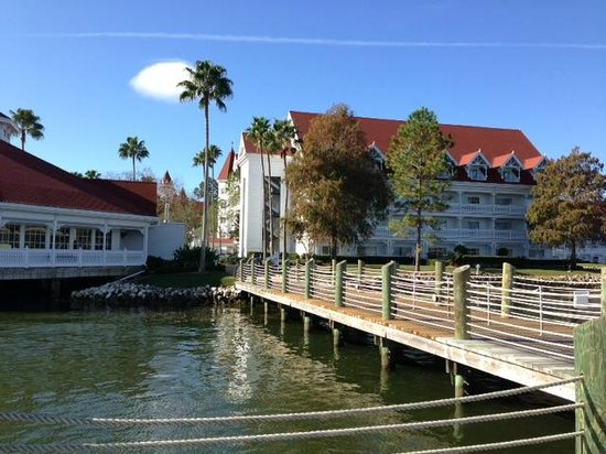 Disney's Grand Floridian Resort & Spa :                   Grounds
