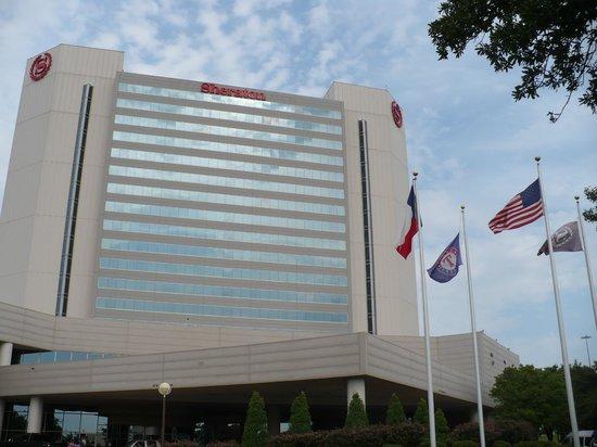 Sheraton Arlington Hotel:                   Front