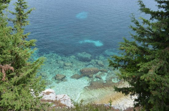 Kassiopi:                   Изумрудное море