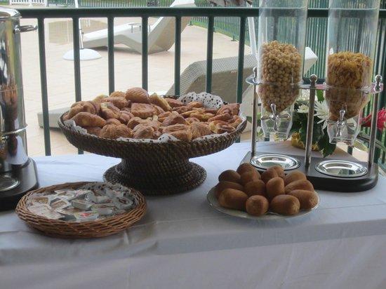 Cap Reva:                   Le petit-déjeuner