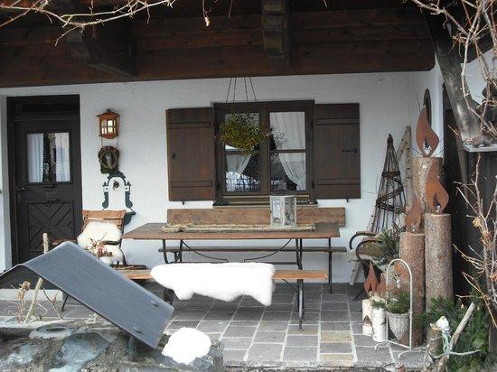 Fiakerhof :                   OUTDOOR SPACE OF GROUND FLOOR APARTMENT
