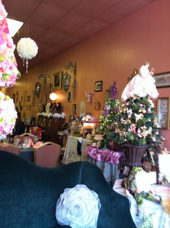 Stella's Tea Parlor:                   Inside is adorable
